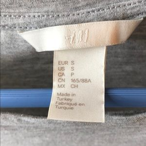 H&M Tops - Gray Shirt